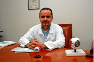 Dr. Adrián Corona Macias